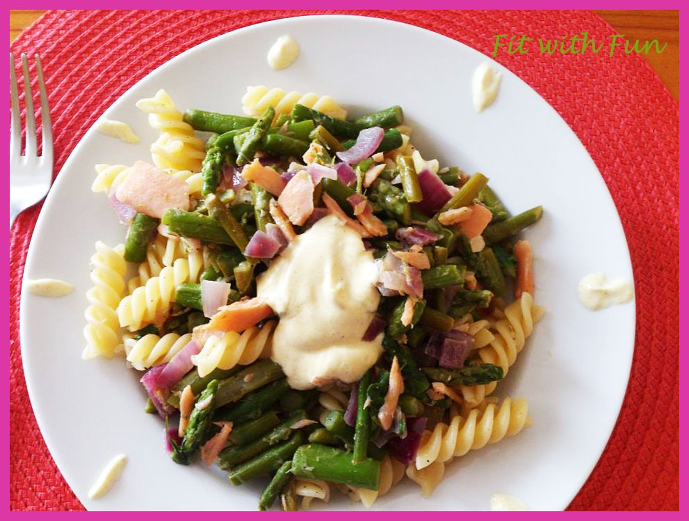 Fusilli Salmone & Asparagi con Panna al Curry Light