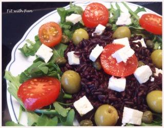 Riso Venere con Feta Pomodorini e Olive