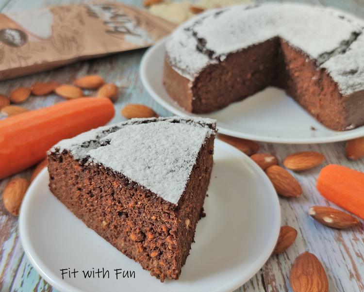 Torta Fresca di Carote Carruba e Mandorle