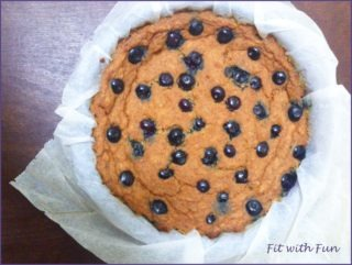 Torta Pancake ai Ceci e Mirtilli Vegana e Senza Glutine