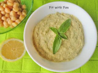 Italian Style Hummus di Ceci con Pesto alla Genovese