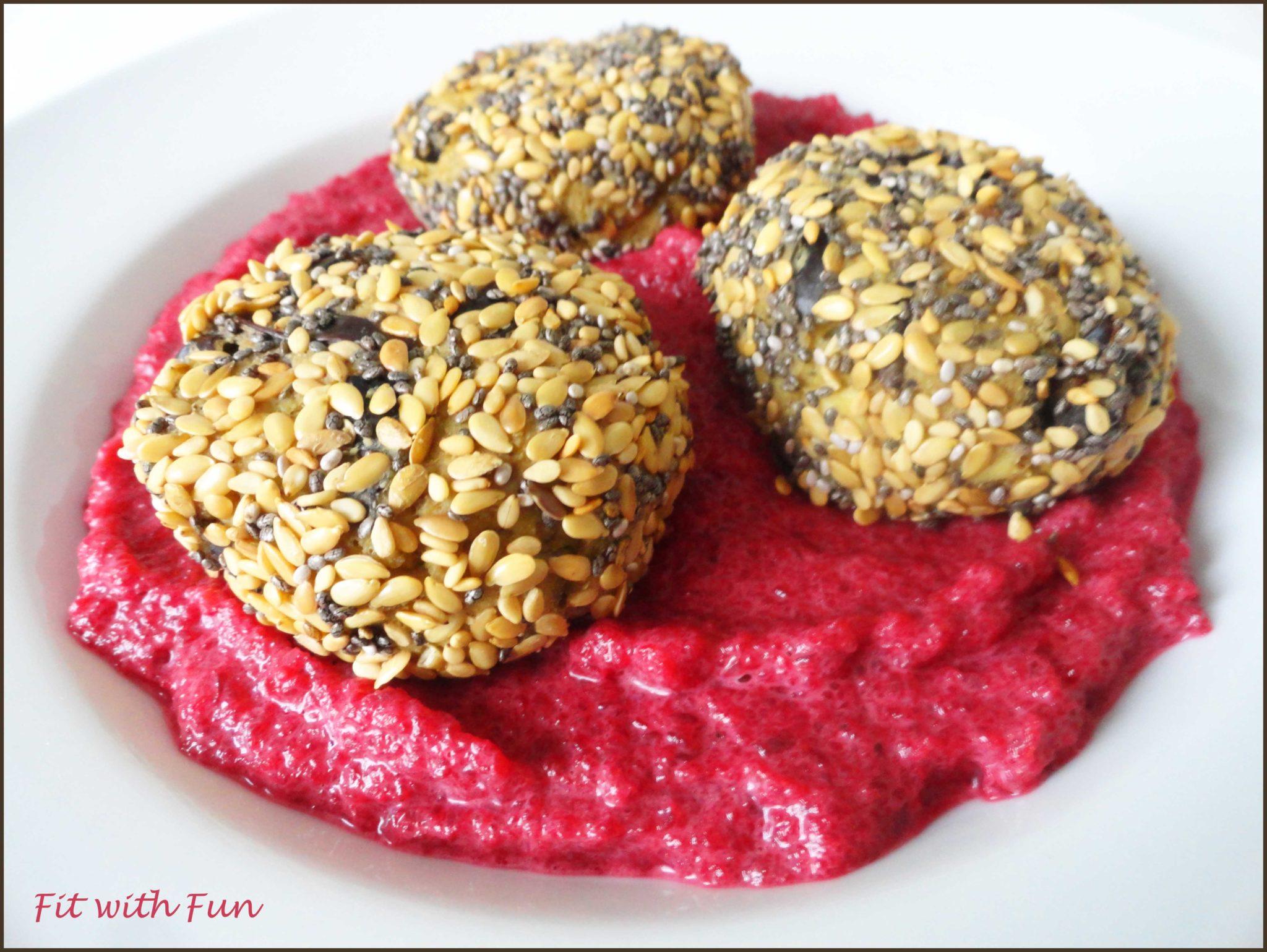 Polpette Tofu e Melanzane con Mix di Semi e Barbabietola Rossa