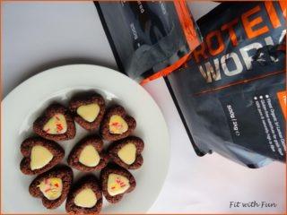Biscotti Vegan al Cocco e Cacao con Glassa Proteica