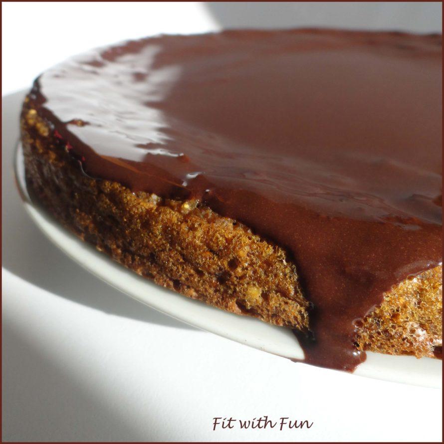 Torta di Soia Mandorle e Carote ricoperta di Cioccolata Proteica