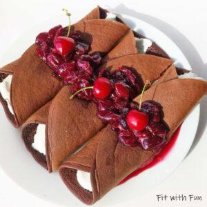 Foresta Nera Crepes al Cioccolato con Ciliegie Sciroppate
