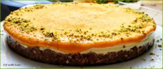 Torta Semifreddo Fit alle Albicocche con Crema Chantilly