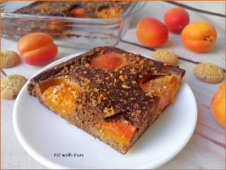 Torta Carrube Albicocche e Amaretti Senza Glutine