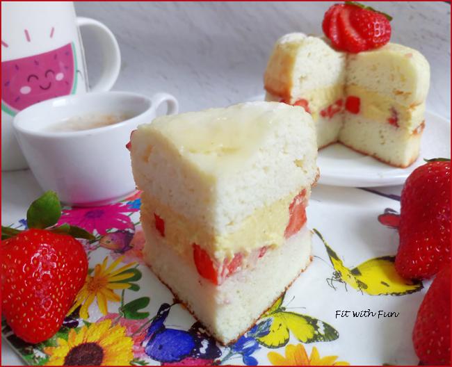 Torta con Crema e Fragole Low Carb Senza Glutine
