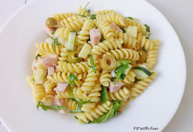 Pasta Tacchino e Formaggio con Olive Verdi