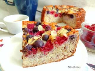Torta Cocco e Limone con Mandorle e Frutti Rossi
