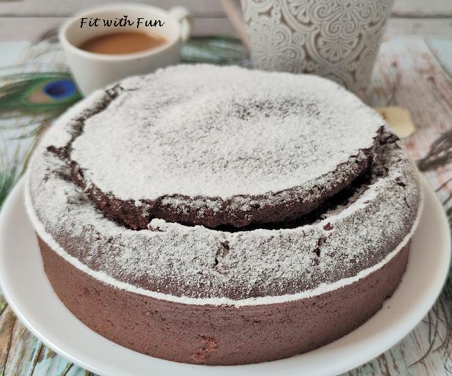 Torta Soffice e Light al Cacao Senza Burro e Senza Zucchero